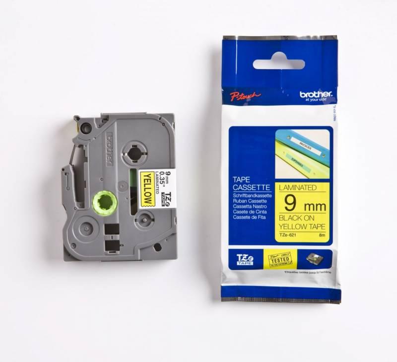 Billede af Labeltape Brother TZe621 9mm sort på gul lamineret