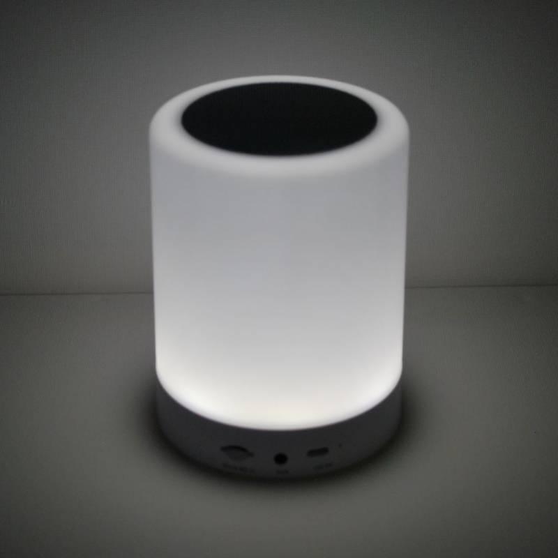 Højttaler bluetooth 3w LED musik lampe